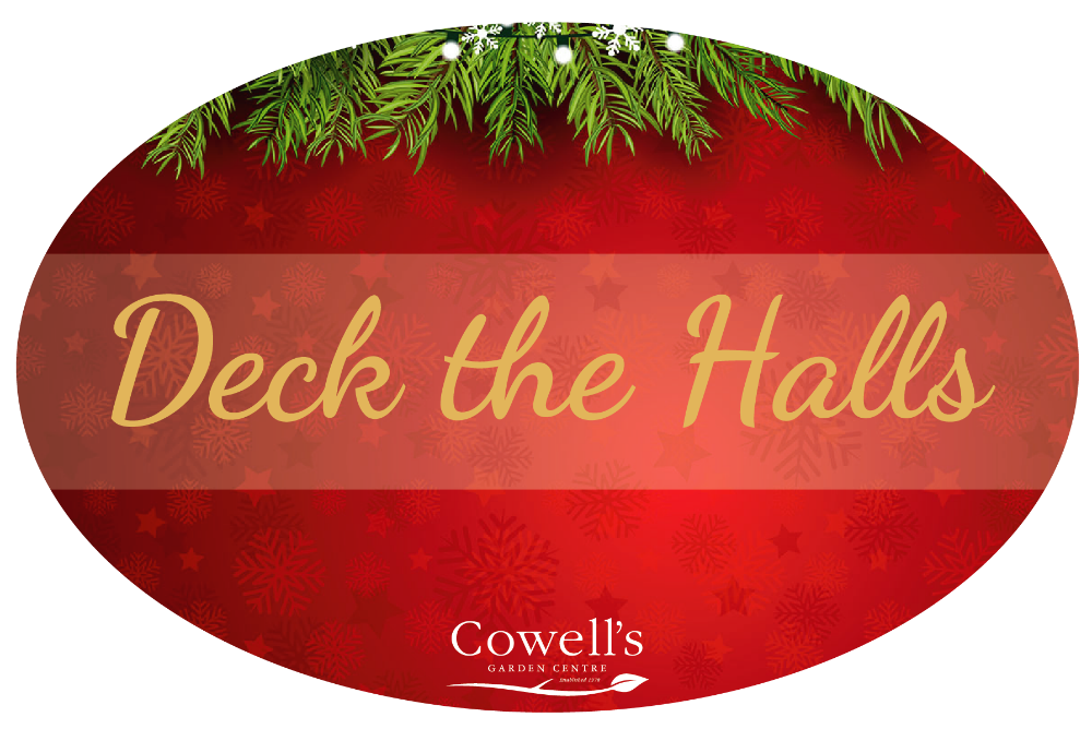 Red Green And Gold Traditional Christmas Decorations Never Fail To Make Your Room Warm Cosy Timeless Inspired By Christmases Of Days Long Gone